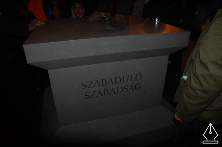 """""""SZABADULÓ SZABADSÁG"""" – Szub-objektív vélemények a Népszabadság tüntetéséről"""