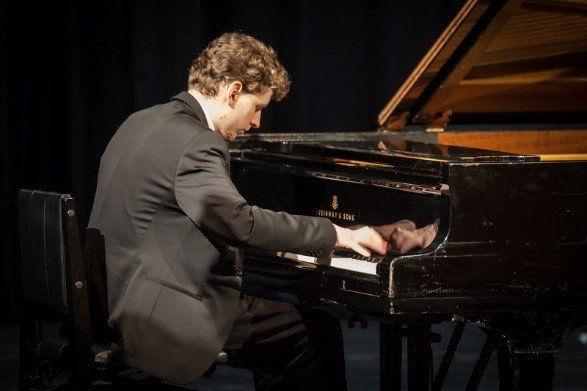 Zongorakoncert füldugó nélkül – így hallgass komolyzenét