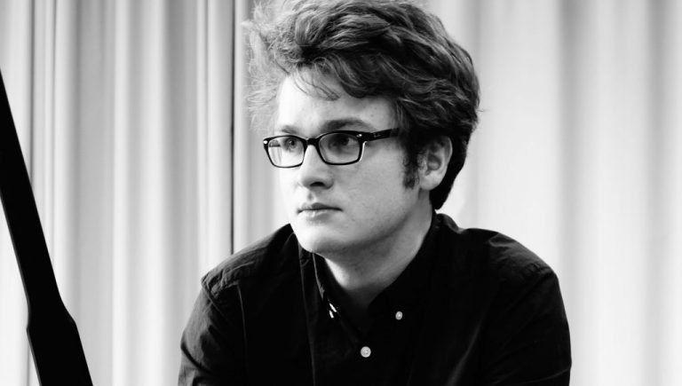 Zongora est a Márványteremben – PODCAST interjú Demény Balázzsal