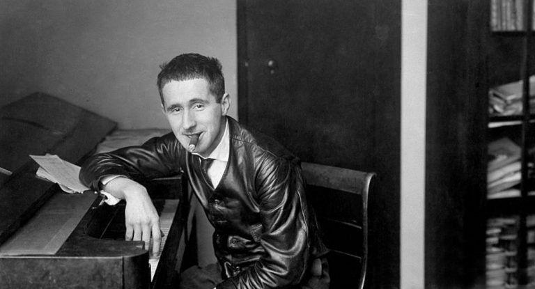 120 éve született Bertolt Brecht