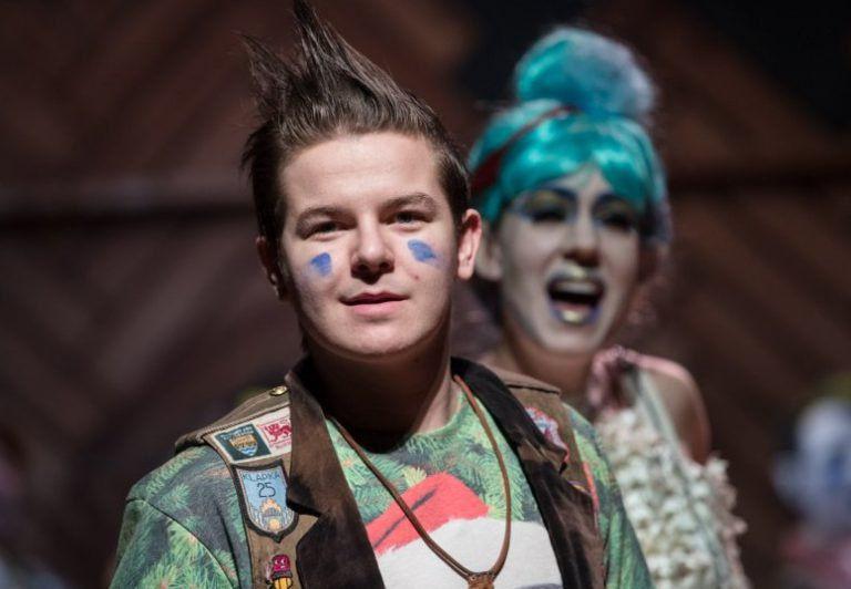 Egy óra Sohaországban – Ajánló a Hevesi Sándor Színház Pán Péter című darabjához