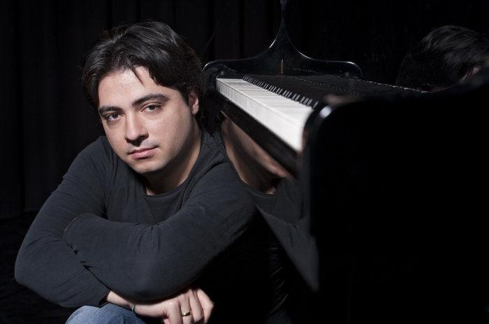 Liszt-átiratok éjszakája – Balázs János zongorakoncertje a Zeneakadémián