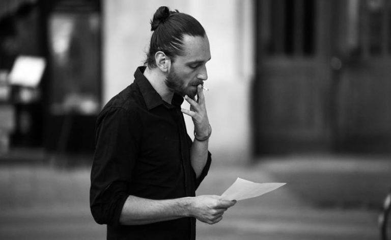"""""""Nem hiszek a kultúrák közti átjárhatatlanságban"""" – Interjú Simon Mártonnal"""
