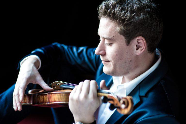 Hegedűművész és karmester – Baráti Kristóf koncertje