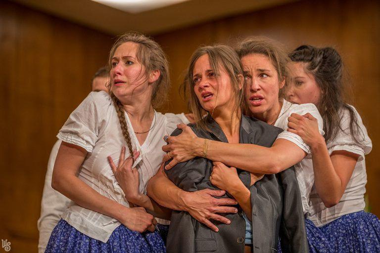 A Weöres Sándor Színházat öt kategóriában jelölték a Színikritikusok Díjára