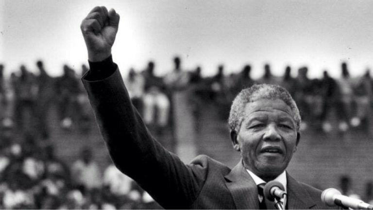 """""""Ne fekete-fehéret dúdolj, színeset"""" – 100 éve született Nelson Mandela"""