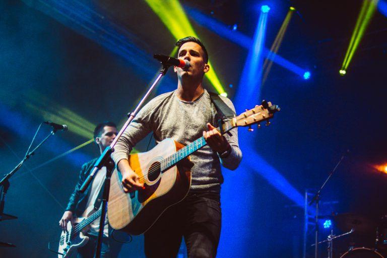 """""""Nekünk itt van dolgunk Magyarországon"""" – Interjú Fodor Mátéval, a Soulwave énekesével"""