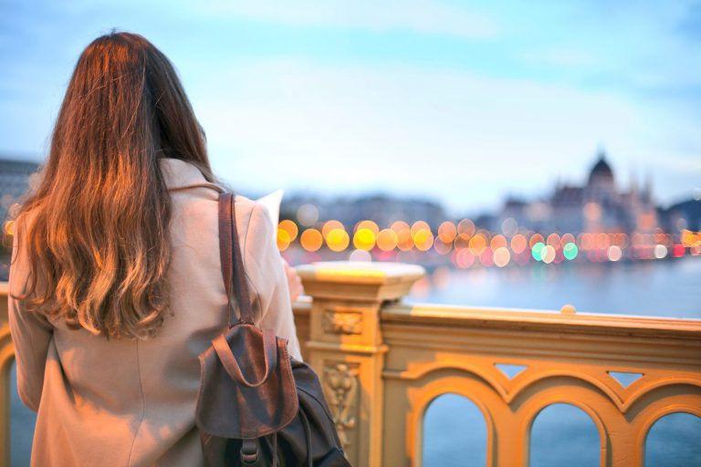 Budapest: lehetőség vagy otthontalanság? – Vidéki fiatalok a fővárosban