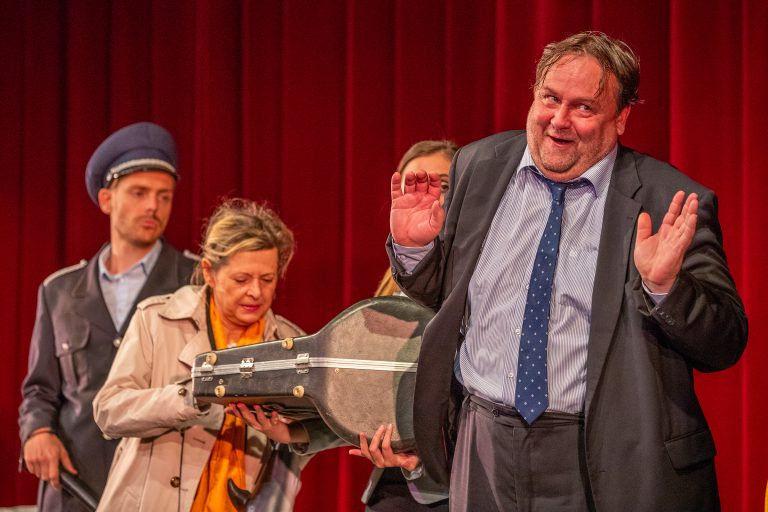 Engem nem baszol át Ványa bácsi! – Revizor Mohácsi-módra a WS Színházban