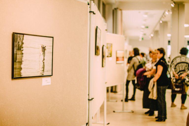 Jókor jó helyen – Németh Bálint kiállítása a szombathelyi Agora Sportházban