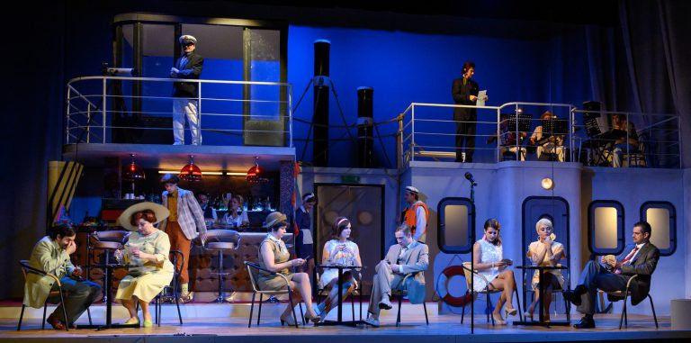 Nyaralunk, ha beledöglünk is! – Carlo Goldoni a Kecskeméti Katona József Színházban