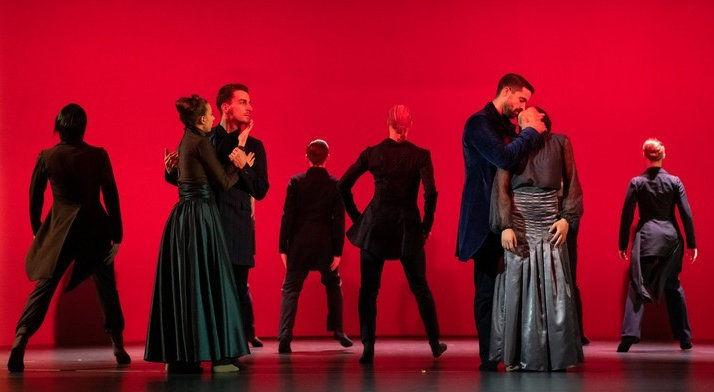 Álomhegyek és valóságfelhők – Traviata a Kecskemét City Balett előadásában