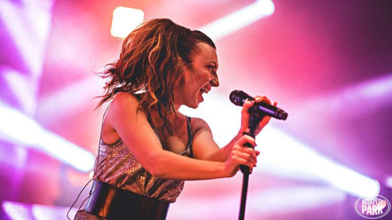 Hétvégi albumajánló: Rúzsa Magdi – Iránytű
