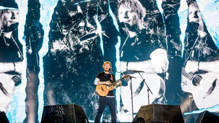 A szomszéd srác leugrott zenélni a Szigetre – Ed Sheeran koncertbeszámoló