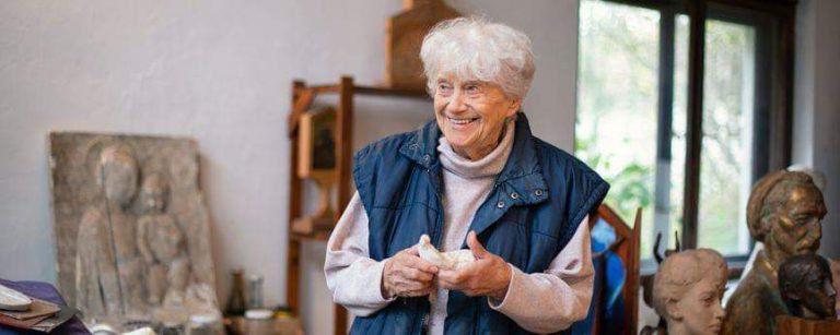 Soha nem látott rajzok és kisplasztikák – Lesenyei Márta szobrászművész kiállítása a WSSZ-ben