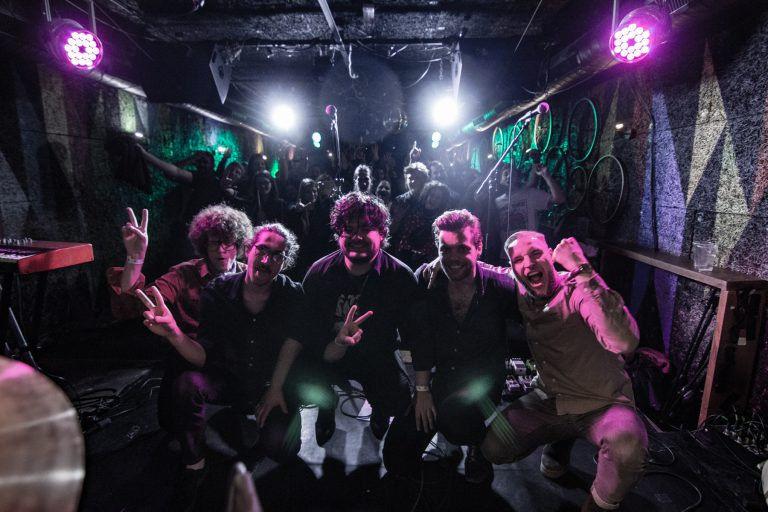 A Grabovski zenekar bemutatta Szevasz életem című nagylemezét a Mika Tivadar Mulatóban