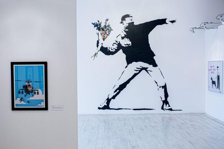 Graffitigéniusz Budapesten – Banksy a Tesla Loftban