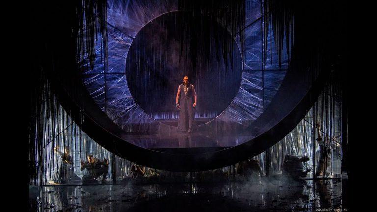 A high-tech hatalma – Pécsi Balett: Carmina Burana