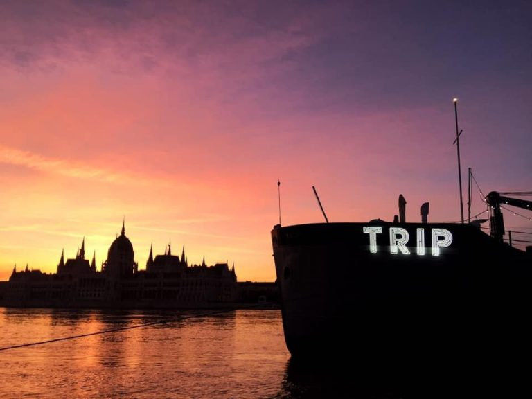 TRIP – Utazás a karanténkultúra berkeibe