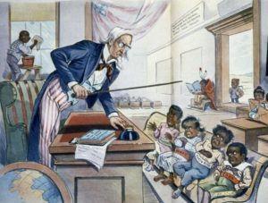 """Louis Dalrymple 1899-es karikatúrája, a """"Kezdődik az iskola"""" az USA-t tanárként ábrázolja, aki megtanítja a demokráciát a környező fejletlen kultúrájú országoknak."""