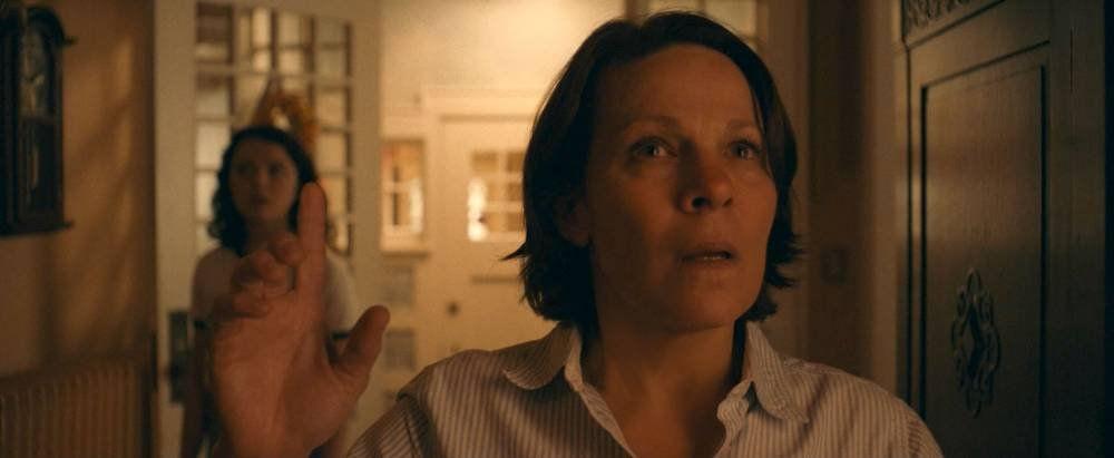 Anya beteg, és nincs, aki segítsen – Papírpókok (2020) – kritika