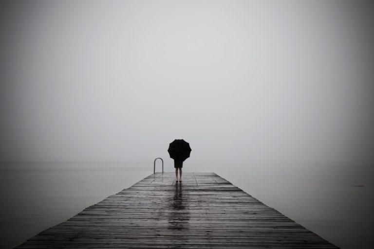 Így dolgozzuk fel veszteségeinket – A gyászfolyamat fázisai