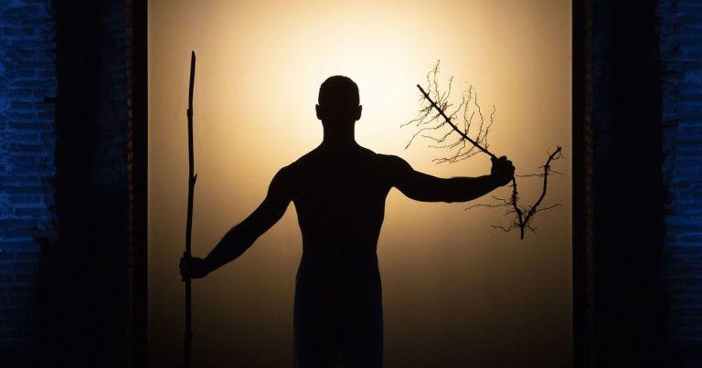 A férfi keze fénytől lett véres – Oedipus, Robert Wilson budapesti vendégjátéka